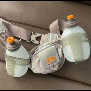 Nathan water bottle running belt new condition.